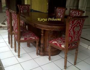 Meja Makan Salina Gendong