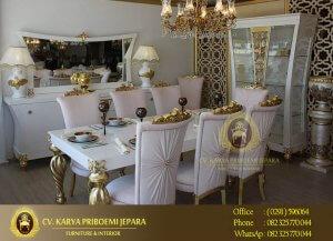Meja Makan Akasya