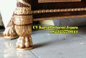 Detail Kaki Buffet Klasik Versace