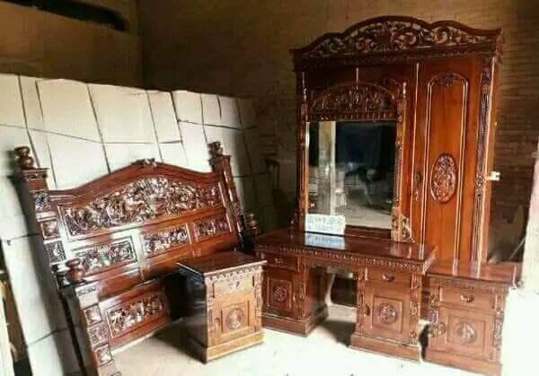 Harga 1 Set Tempat Tidur Lemari Meja Rias Kayu Jati