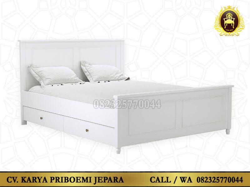 Tempat Tidur Putih Minimalis
