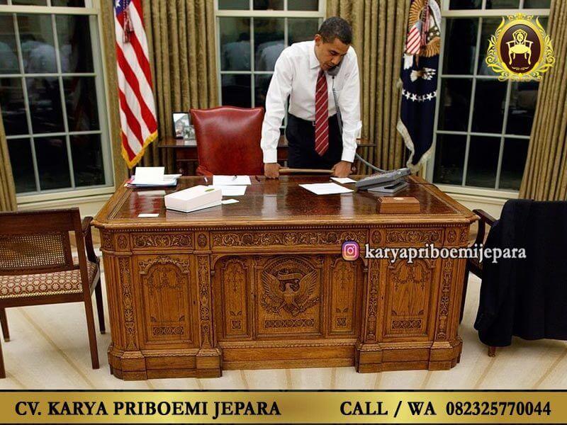 Meja Direktur Mewah Garuda Barack Obama