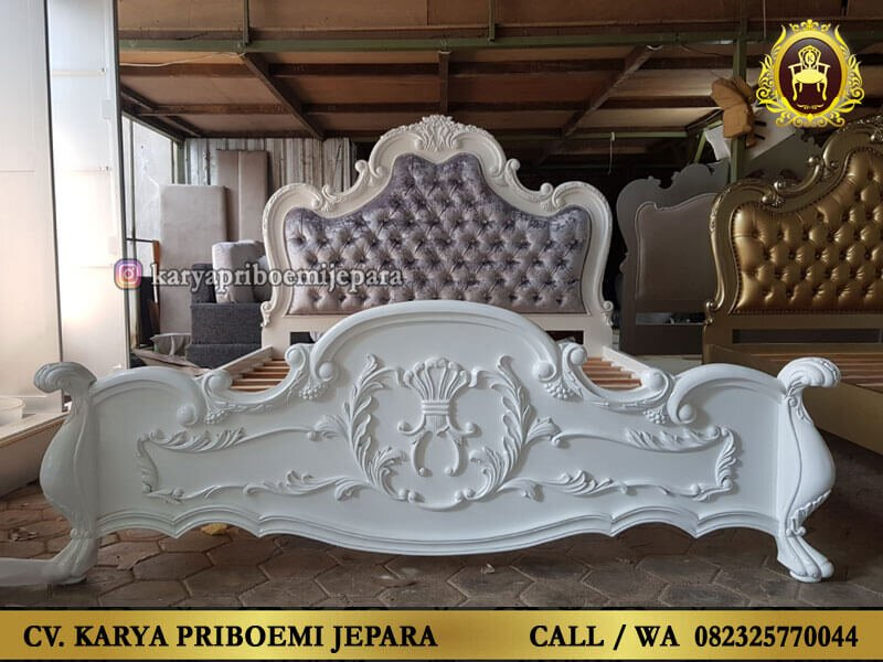 Tempat Tidur Klasik Modern Mewah Warna Putih